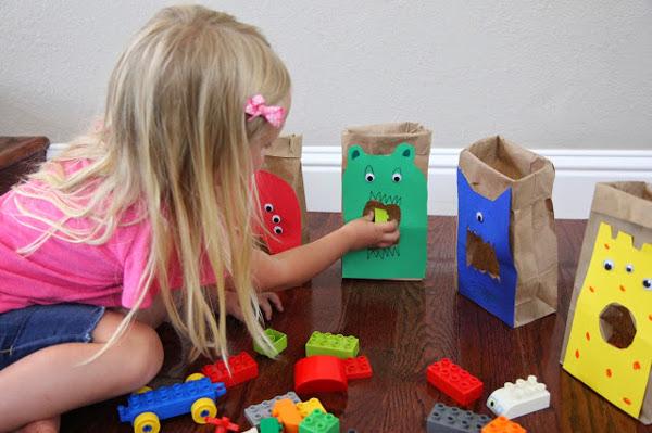 Лего-монстры сортируем и конструируем