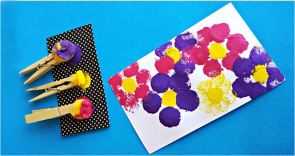 risovanie-pomponami-polyana-cvetov