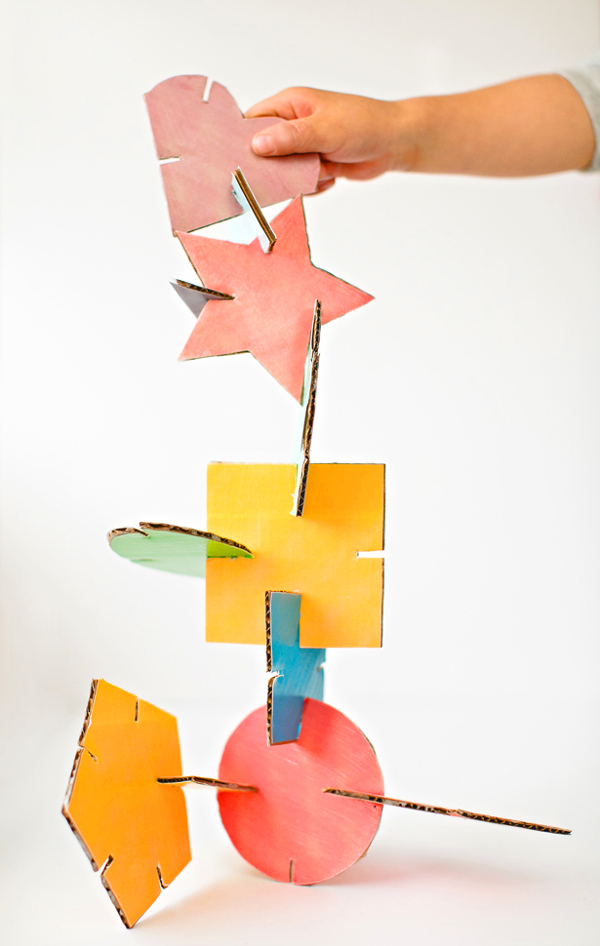 geometricheskij-konstruktor-is-kartona-svoimi-rukami